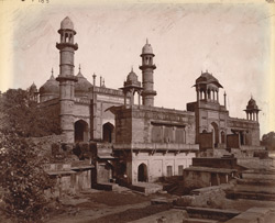 General view of the Jami Masjid, Gwalior